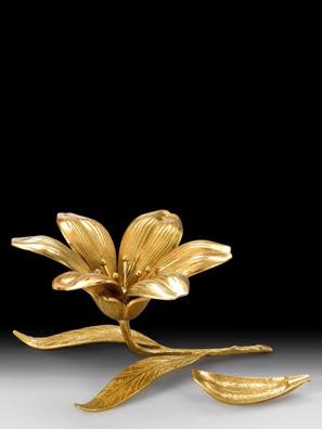 Bông hoa bằng đồng làm gác đũa bàn ăn Virtus