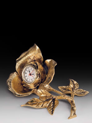 Đồng hồ để bàn trong cánh hoa hồng bằng đồng Virtus - 2190