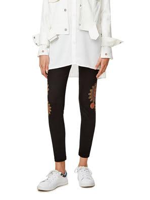 Quần legging nữ thêu họa tiết hoa Desigual HOSIERY NEGRO - 17WWKK142000