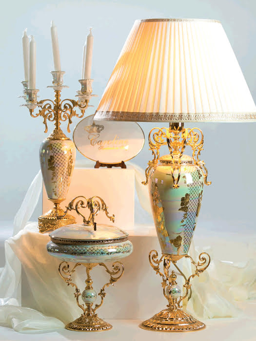 Đèn bàn cổ mạ vàng 24K hoạ tiết vẽ tay Caroline Italy cao 97cm - A100.1116