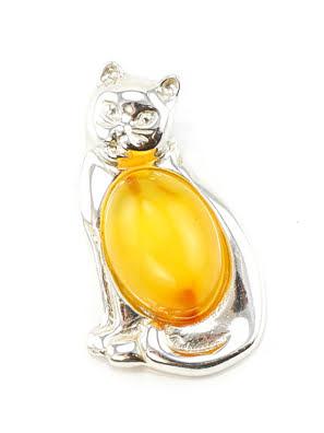 Một mặt dây chuyền bạc nhỏ làm từ hổ phách mật ong tự nhiên trong bạc