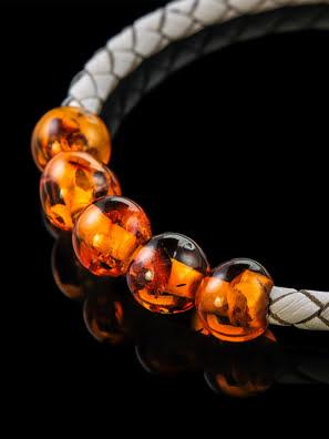 Vòng đeo tay làm bằng da với hổ phách tự nhiên - 705003020