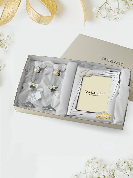 Đồ trang trí quà tặng kỉ niệm 50 năm đám cưới vàng (2 ly thủy tinh + khung ảnh 13x18) mạ bạc hiệu VALENTI  - 16505