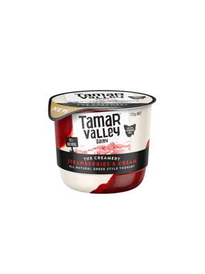 Sữa chua kiểu Hy Lạp vị kem dâu Tamar Valley 170g